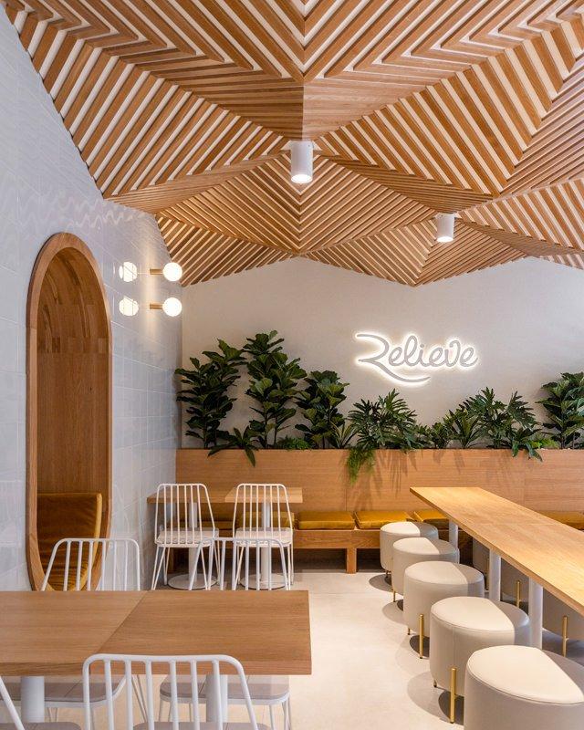 https://kuoestudio.com/wp-content/uploads/2021/09/cafeteria-relieve-el-puerto-02.jpg