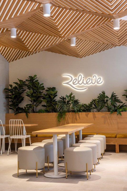 https://kuoestudio.com/wp-content/uploads/2021/09/cafeteria-relieve-el-puerto-04.jpg