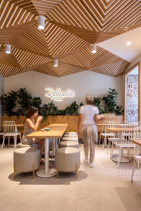 https://kuoestudio.com/wp-content/uploads/2021/09/cafeteria-relieve-el-puerto-12.jpg
