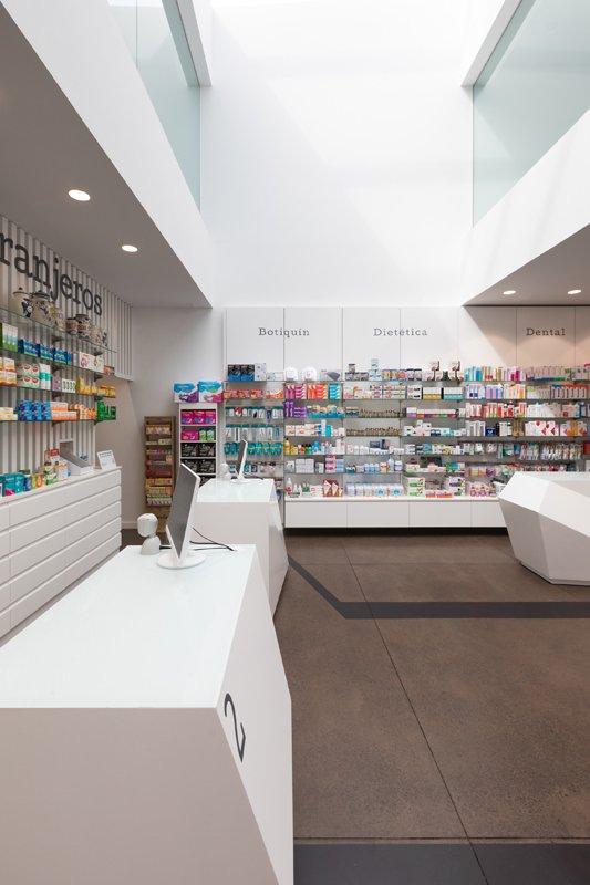 https://kuoestudio.com/wp-content/uploads/2021/09/farmacia-los-naranjeros-05.jpg