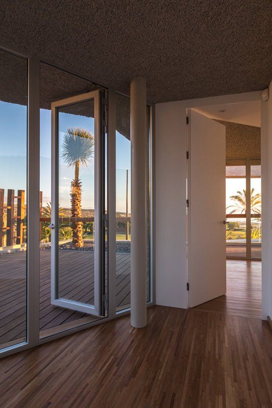 https://kuoestudio.com/wp-content/uploads/2021/09/viviendas-unifamiliares-abama-resort-07.jpg