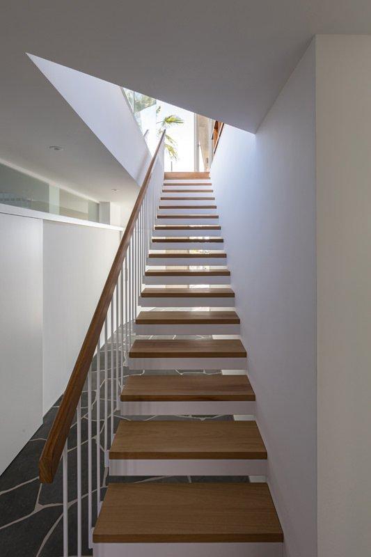 https://kuoestudio.com/wp-content/uploads/2021/09/viviendas-unifamiliares-abama-resort-25.jpg